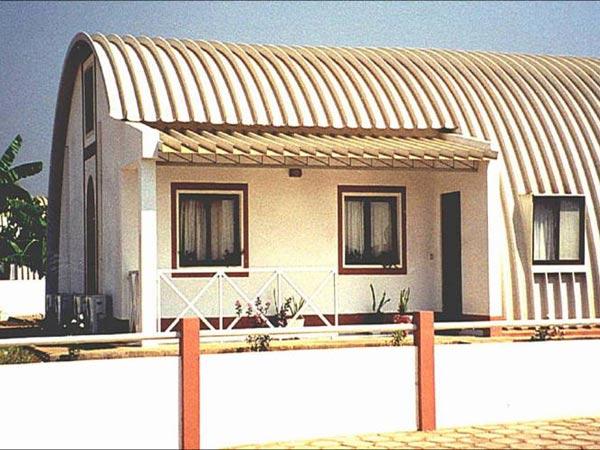 Современный бескаркасный анграр (жилой дом)